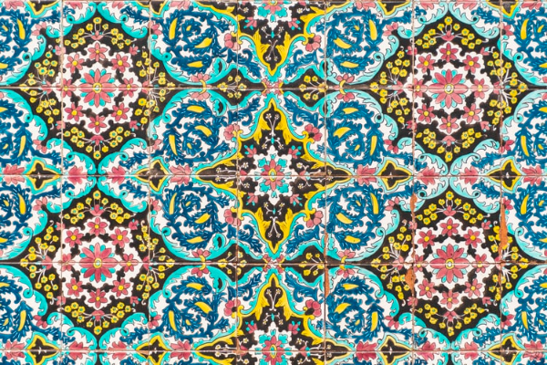 Free Backgrounds With Tribal Feel: Geometric Tile Pattern
