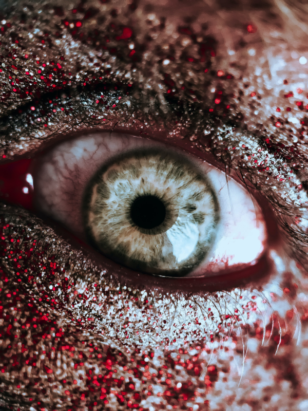 Free Surreal Backgrounds for Designers: Eye Closeup